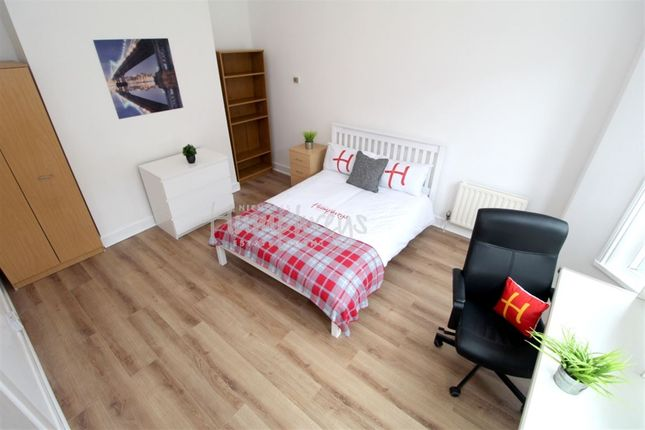 Thumbnail Property to rent in Britannia Road North, Southsea