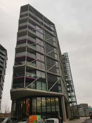 1 Bed Flat. Riverlight, Vauxhall, Sw11, London