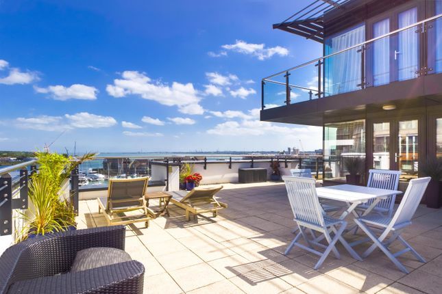 Flat for sale in Admirals Quay, Ocean Way, Ocean Village