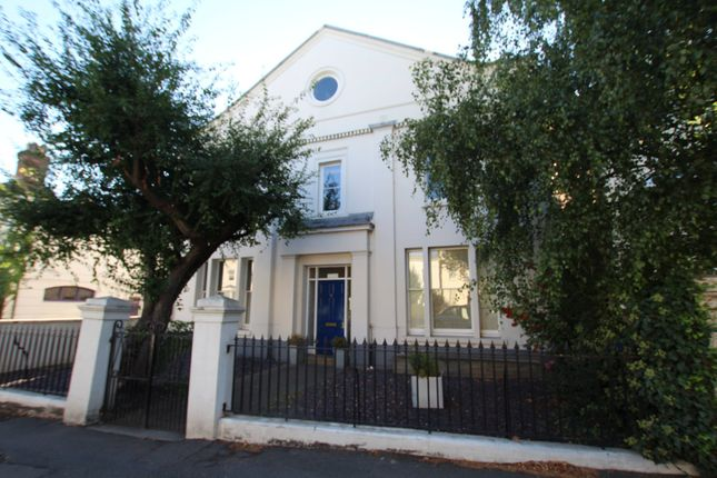 Thumbnail Flat to rent in Clarendon Street, Leamington Spa