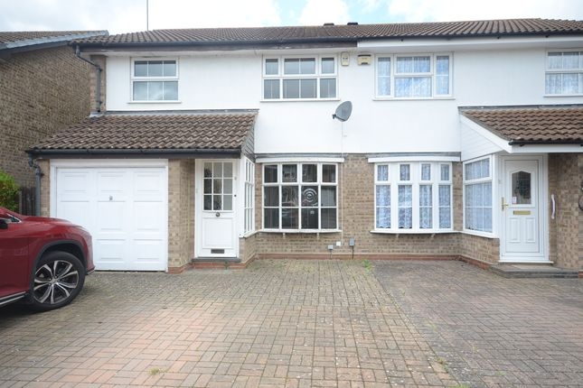 Thumbnail Semi-detached house to rent in Kingsford Close, Woodley, Reading