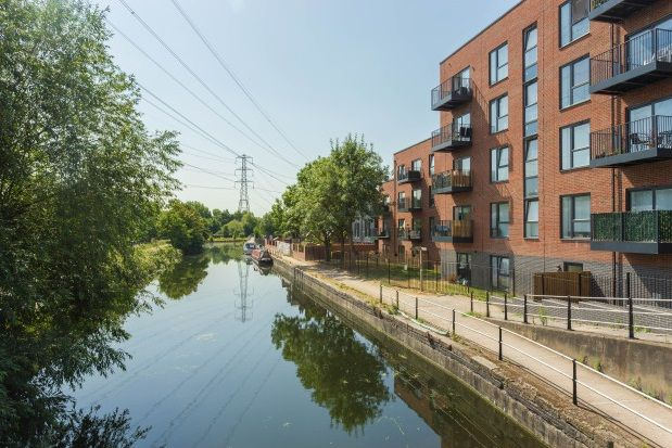 Thumbnail Flat to rent in Lea Road, Waltham Abbey