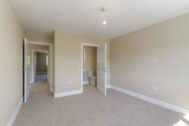 Bedroom 1 of Park Road South, Winslow, Buckingham, Buckinghamshire MK18
