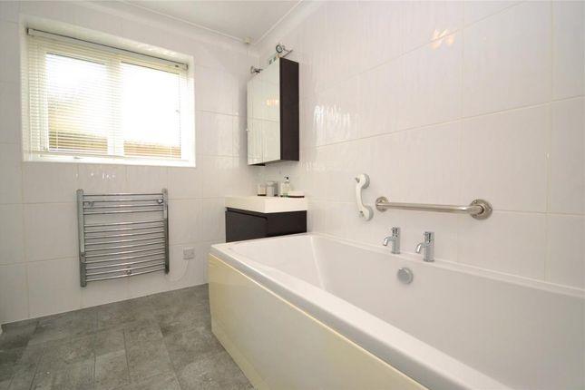 Bathroom of Claremont Falls, Killigarth, Looe, Cornwall PL13