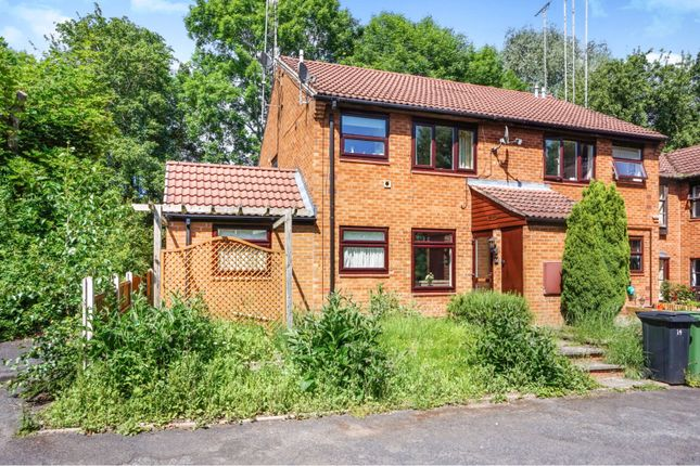 Thumbnail Maisonette for sale in Avonbank Close, Redditch