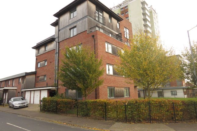 Thumbnail Flat for sale in Arnhem Road, Chelmsford