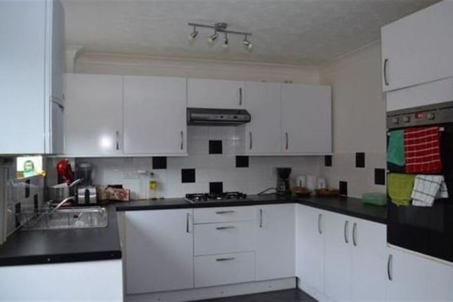 Thumbnail Property to rent in Walcott Close, Norwich