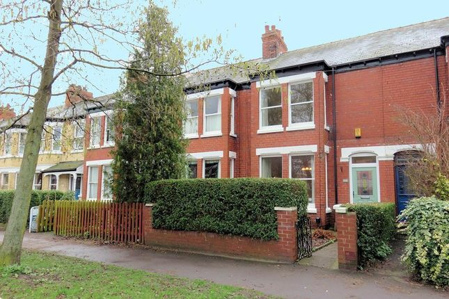 Thumbnail Property for sale in Victoria Avenue, Hull