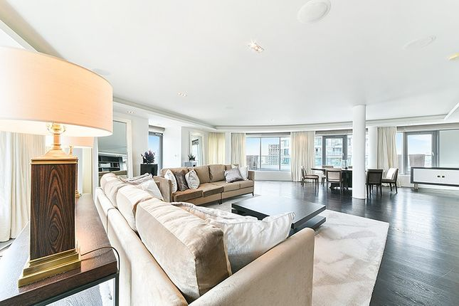 Thumbnail Property to rent in New Providence Wharf, 1 Fairmont Avenue, Canary Wharf, London