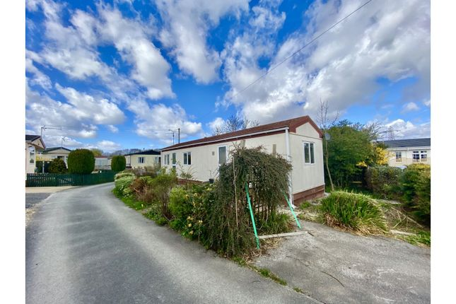 2 bed mobile/park home for sale in Willow Park, Deeside CH5