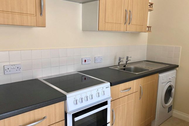 Thumbnail 1 bed flat to rent in Babbacombe Road, Torquay