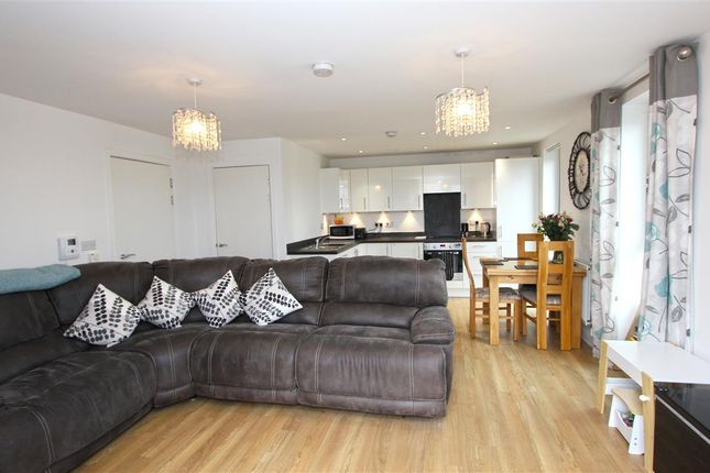 2 bed flat for sale in Connersville Way, Croydon CR0