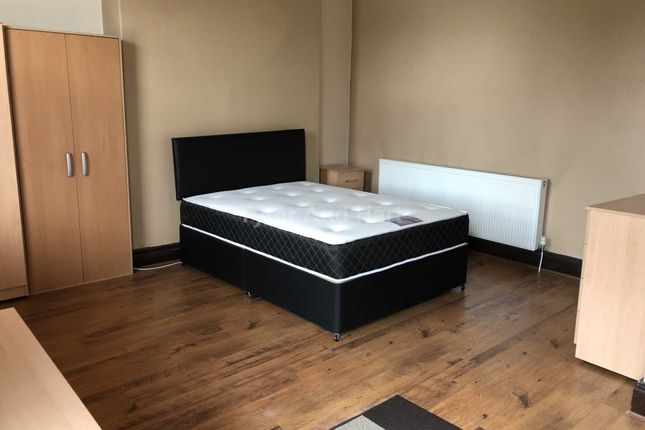 Thumbnail Shared accommodation to rent in Deane Road, Fairfield, Liverpool
