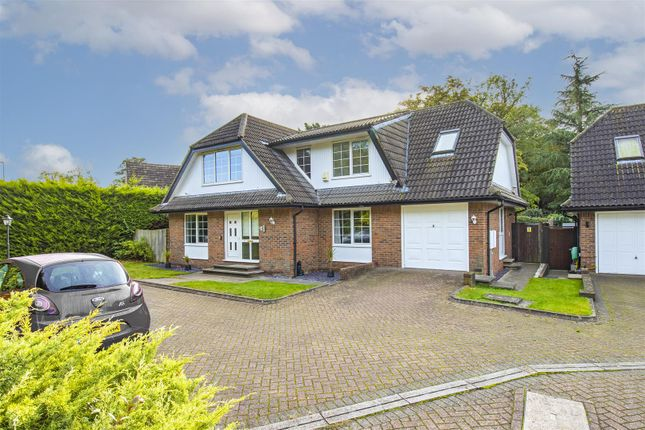 Thumbnail Detached house for sale in Aspen Close, Bricket Wood, St. Albans