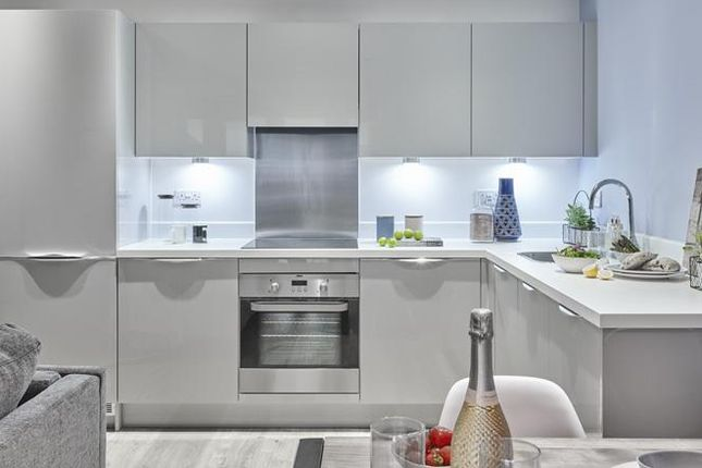Thumbnail Flat for sale in The Mathos, Sterling Square, Bracknell