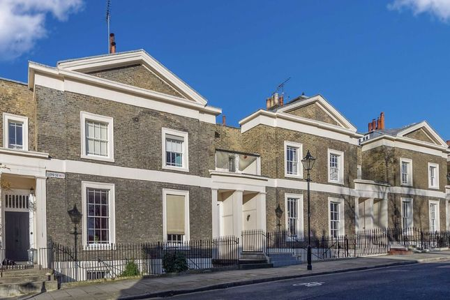 Thumbnail Property for sale in Lloyd Square, London