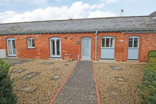 2 bed barn conversion to rent in Rewe Barton, Rewe, Exeter, Devon