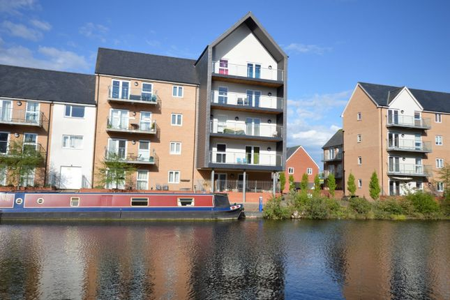 Thumbnail Flat for sale in Cressy Quay, Chelmsford