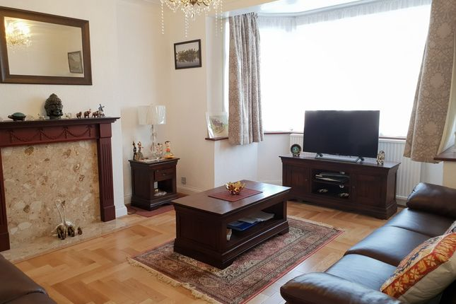 Thumbnail Semi-detached house to rent in Wynchgate, London