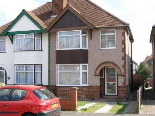 Thumbnail Semi-detached house to rent in The Close, Leamington Spa