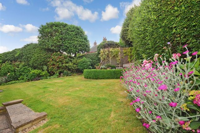 Thumbnail Detached house for sale in Potters Close, Loughton, Essex