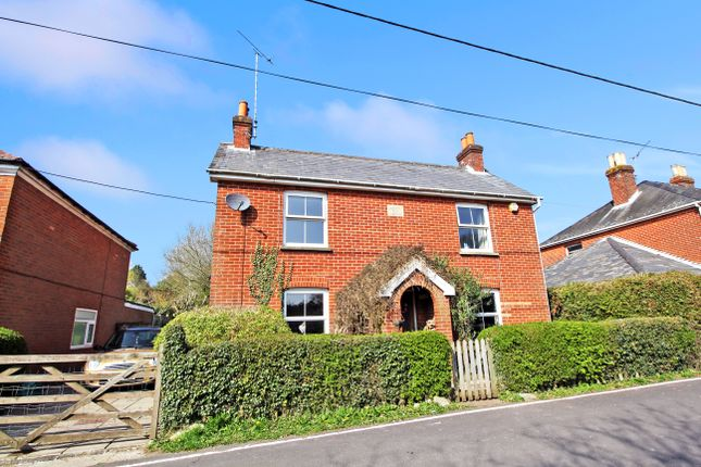 4 bed detached house to rent in The Dene, Ropley, Alresford SO24