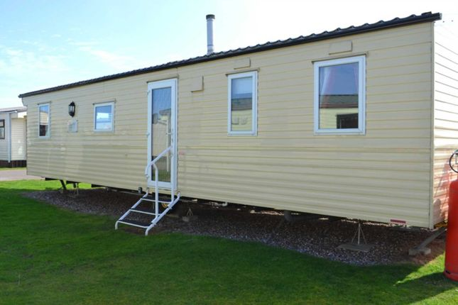 Thumbnail Mobile/park home to rent in Whapload Road, Lowestoft