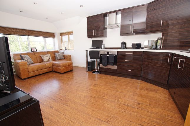 Flat for sale in Lansdowne Drive, Rayleigh