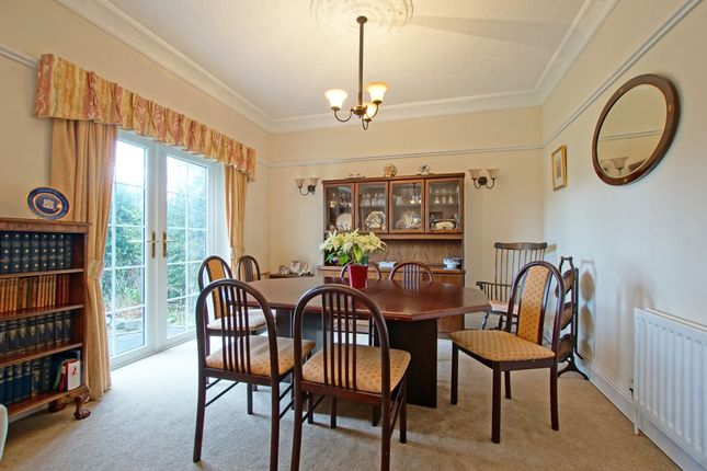 Dining Area Within Lounge