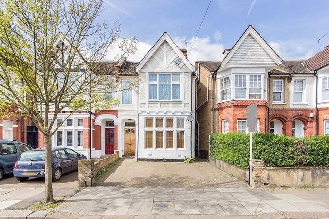 Thumbnail Flat for sale in Chatsworth Gardens, London