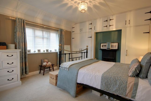 Bedroom of Northumberland Avenue, Reading RG2