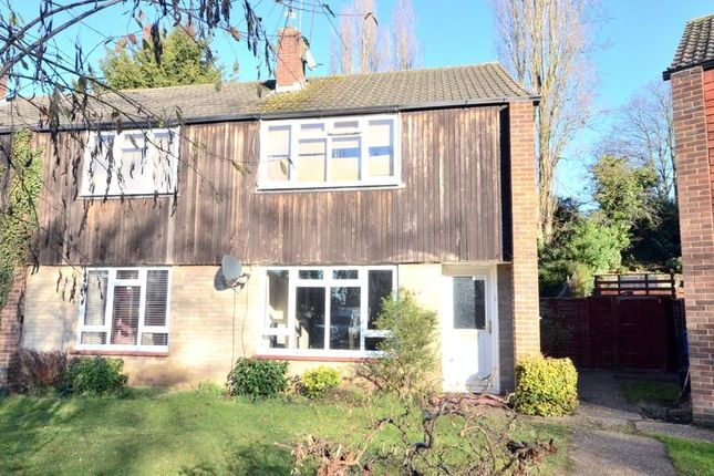 2 bed maisonette for sale in Langton Close, Maidenhead, Berkshire