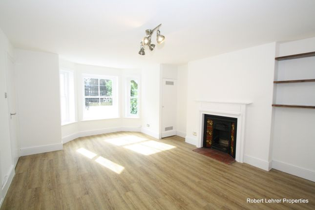 Flat for sale in Crouch Hill, Crouch End