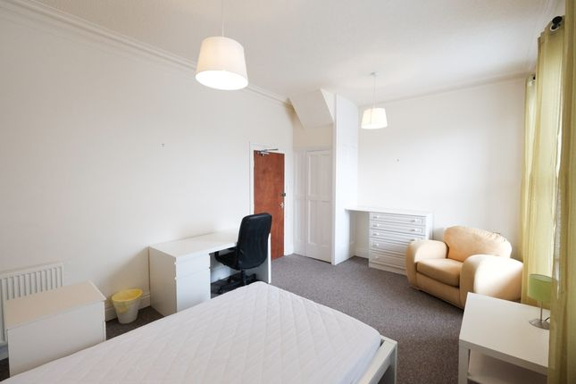 Thumbnail Shared accommodation to rent in Frenchwood Street, Preston, Lancashire