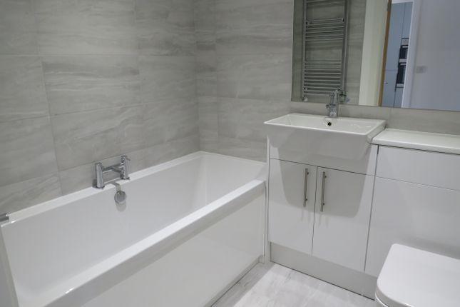 Bathroom of Cornwall Avenue, Peacehaven BN10