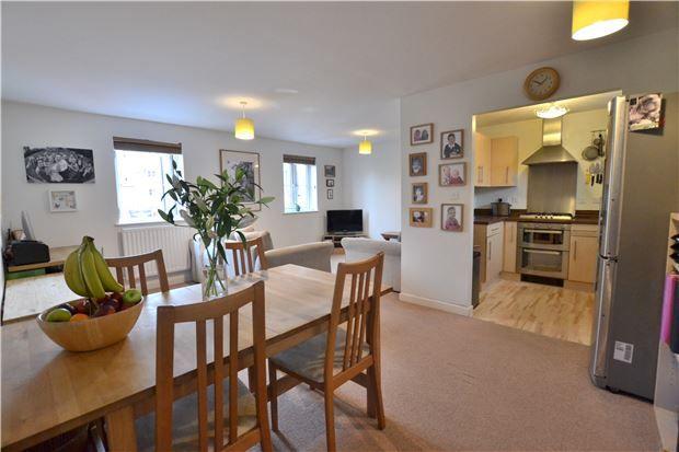 Thumbnail Flat for sale in Cannon Corner, Brockworth, Gloucester