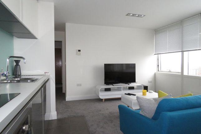 Livingroom of Strand Street, Liverpool L1