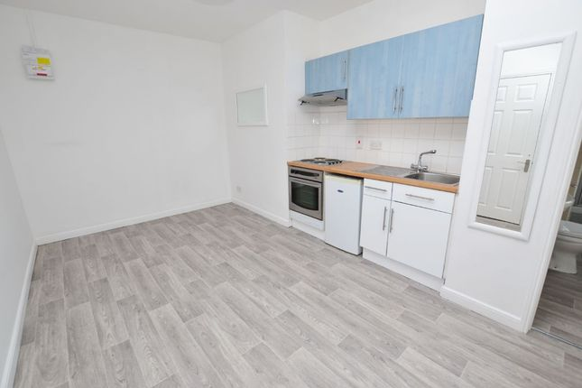 Thumbnail Flat to rent in Angel Place, Worcester