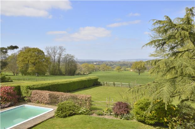 Thumbnail Detached house for sale in Norwood Hill, Horley