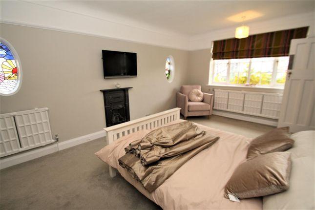 Bedroom1 of Hamboro Gardens, Leigh-On-Sea SS9