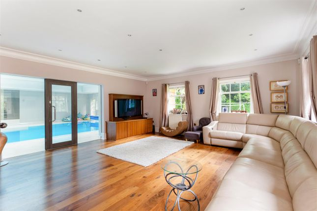 Family Room of Beech Drive, Kingswood, Tadworth KT20