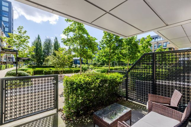 Thumbnail Flat to rent in Fulham Riverside, Sands End, London