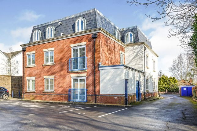 Thumbnail Flat to rent in Beaconsfield Road, Waterlooville