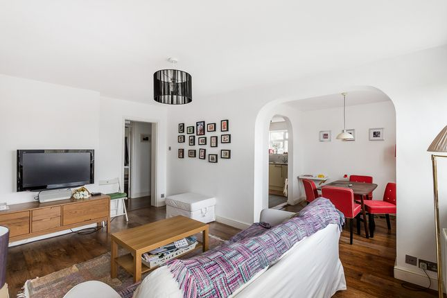 Thumbnail Flat for sale in Doods Road, Reigate