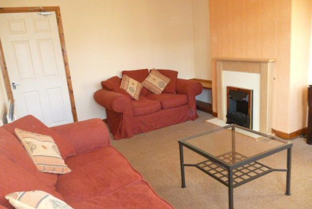 Thumbnail Terraced house to rent in Craigievar Crescent, Aberdeen