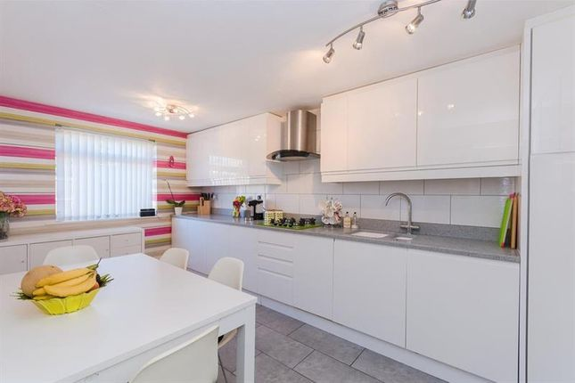 Thumbnail Flat for sale in St. Helens Court, Abingdon