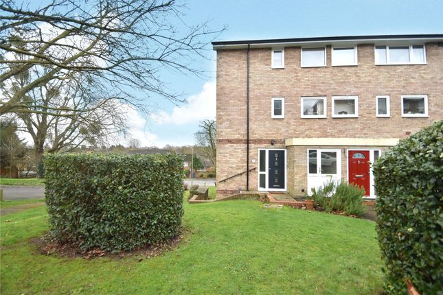 Picture No. 21 of Denham Close, Maidenhead, Berkshire SL6