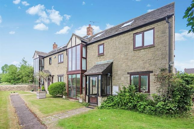 Thumbnail Property for sale in Meadow View, Witney