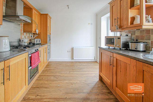 Kitchen of Green Lane, Shelfield WS4