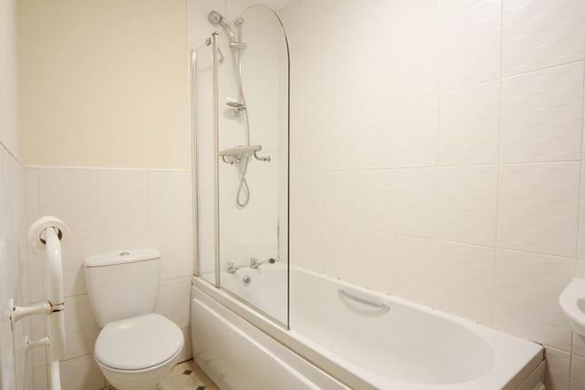 Bathroom of Spofforth Road, Edge Hill, Liverpool L7